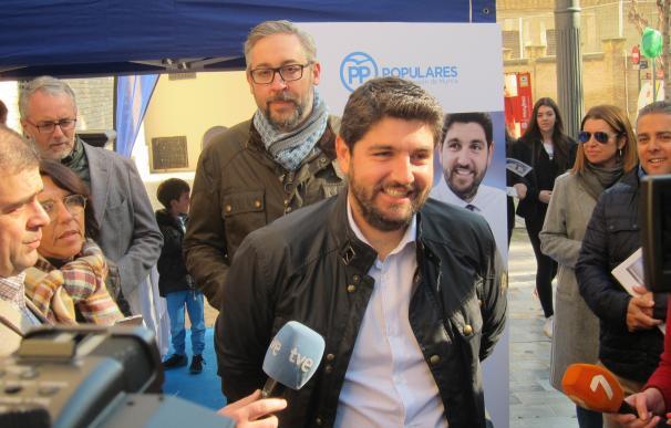 Fernando López Miras Atiende A Los Medios
