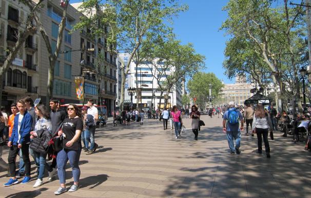Gente, persona, personas, paseando, paseo, compras, turistas, catalanes, Ramblas