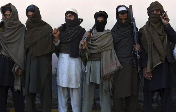 Imagen de archivo de guerrilleros talibanes. /EFE