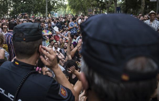 La Policía Nacional ha escoltado a los representantes de Ciudadanos que participaban en la manifestación del Orgullo 2019. /EFE