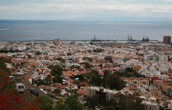 Ayuntamiento de Santa Cruz de Tenerife activa un plan especial de limpieza de cara a las fiestas de Navidad