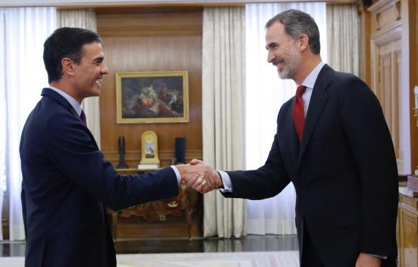 El líder del PSOE, Pedro Sánchez, recibido por el Rey