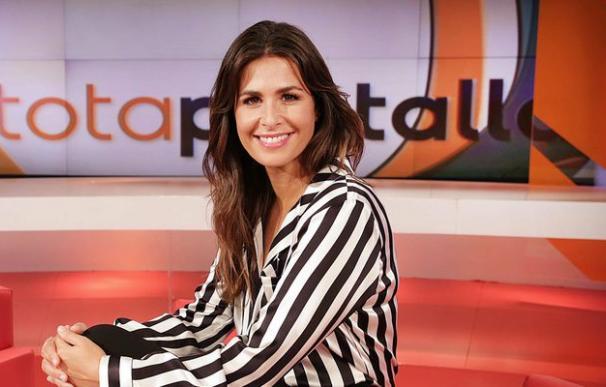 Nuria Roca en el plató de 'A tota pantalla' de TV3.