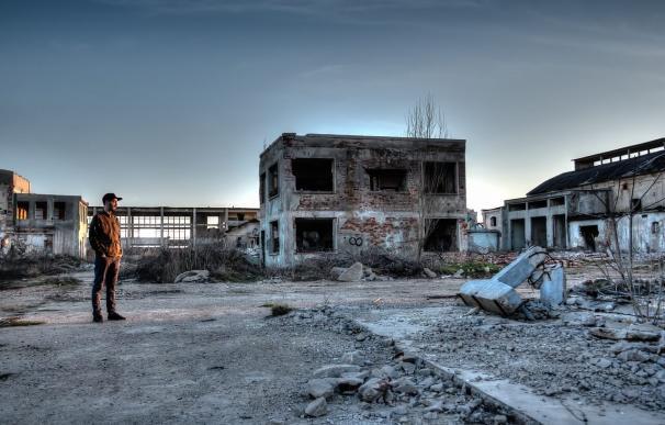 Un joven durante una visita a Pripyat, Chernóbil