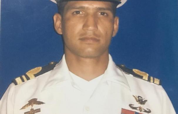 El fallecido Capitán de Corbeta Rafael Acosta Arévalo. /L.I.