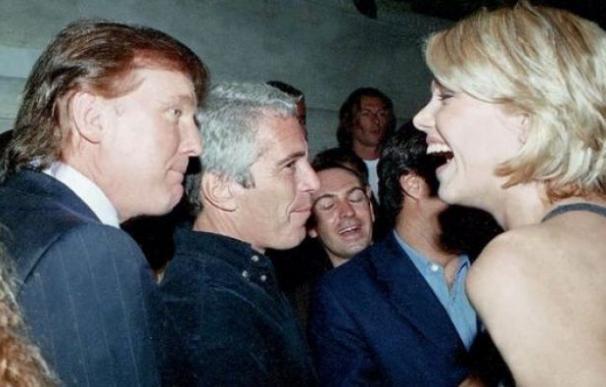 Trump junto a Epstein en una imagen de archivo. /L.I.