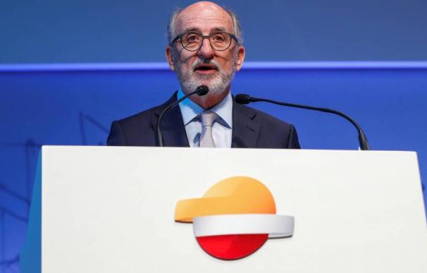 El presidente de repsol, Antonio Brufau, criticó la excesiva ambición medioambiental del Gobierno.