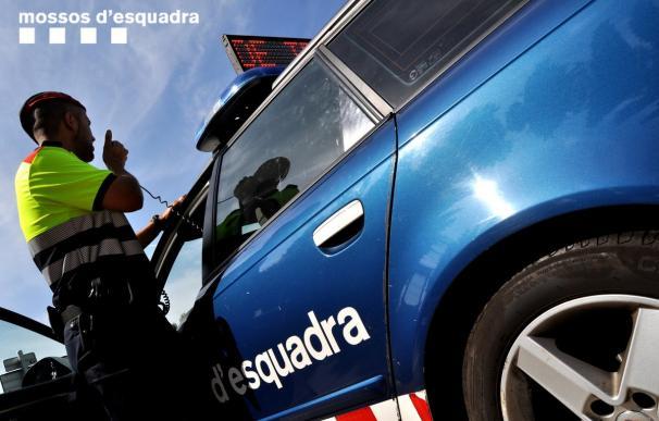 Imagen de archivo de un vehículo patrulla de los Mossos. /L.I.