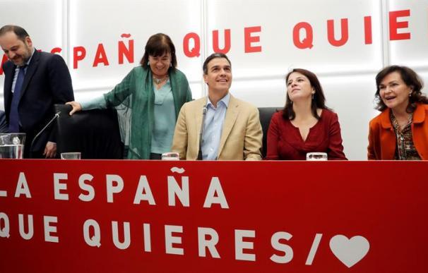 Los dirigentes del PSOE, en la Ejecutiva que celebraron el día 29 de abril