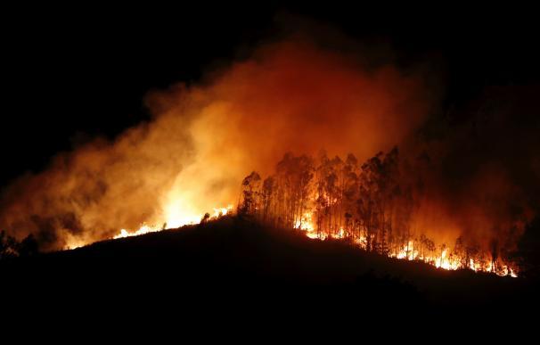 Estabilizado el incendio en Asturias aunque todavía hay varios focos activos