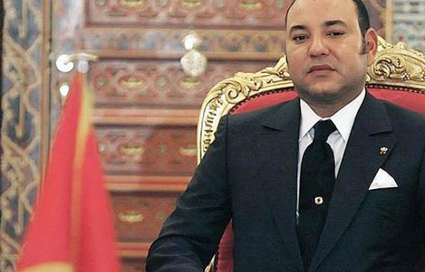 La nueva constitución marroquí acaba con la figura 'sagrada' de Mohamed VI