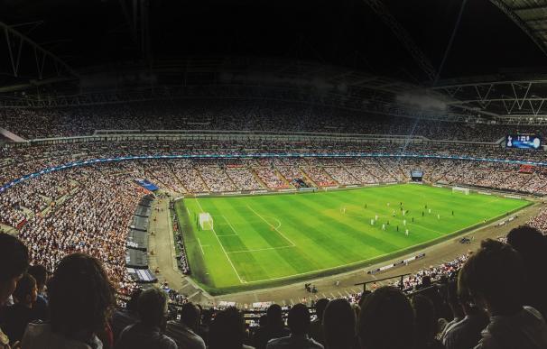 La guerra sin cuartel de Tebas y Rubiales pone en peligro el maná de la tele en el fútbol