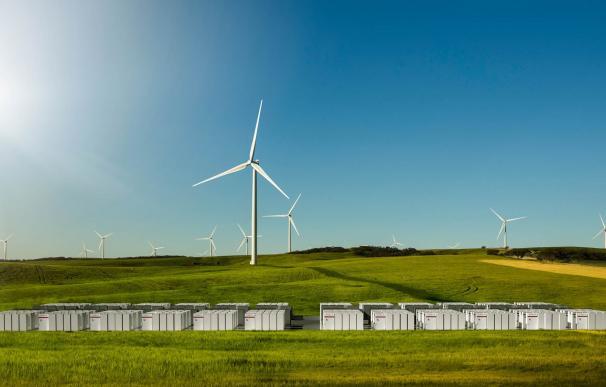 Parque eólico con baterías de almacenamiento de Tesla en Australia.