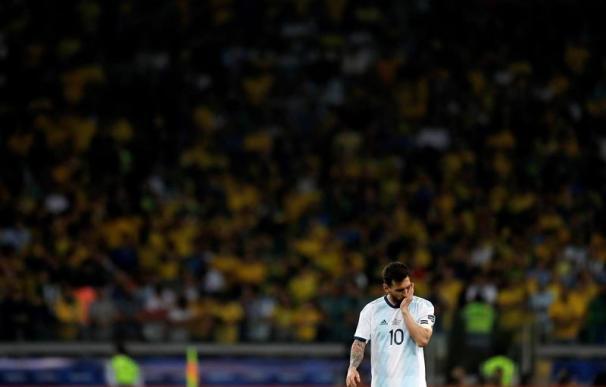 Lionel Messi de Argentina al final del partido Brasil-Argentina de semifinales de la Copa América de Fútbol 2019, en el Estadio Mineirão de Belo Horizonte, Brasil, hoy 2 de julio de 2019. EFE/Antonio Lacerda