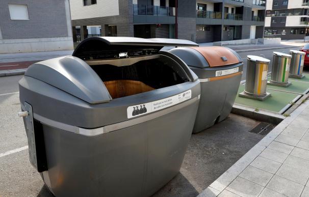 Contenedor de basura donde fue encontrado el bebé