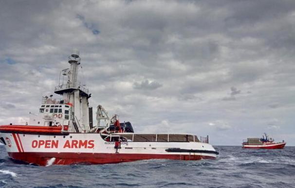 """El barco de rescate """"Open Arms"""". /EFE"""