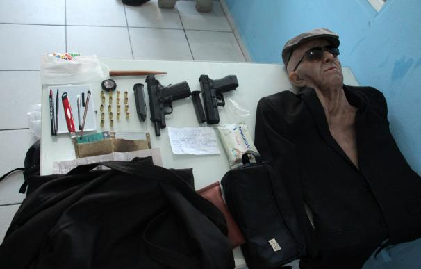 Un hombre intenta robar un banco en Brasil disfrazado de anciano