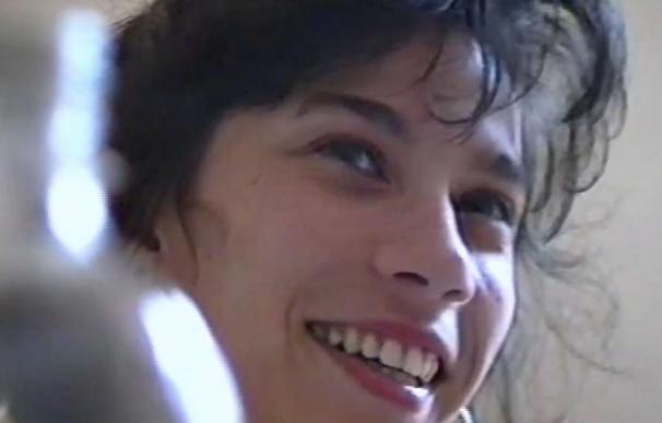 La joven Paquita Parra en un fotograma de un vídeo familiar. /L.I.