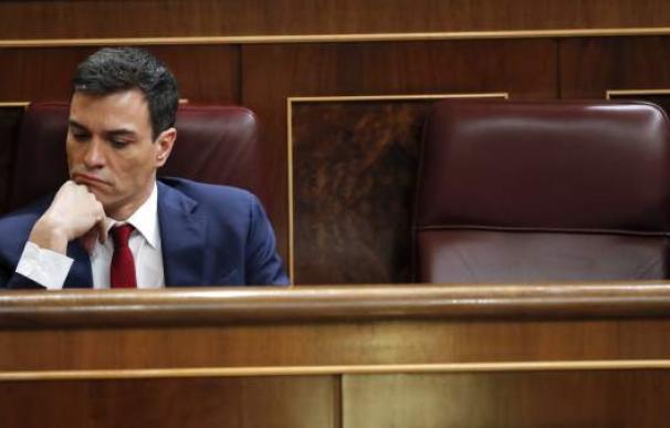 Fotografía Pedro Sánchez pensativo / EFE