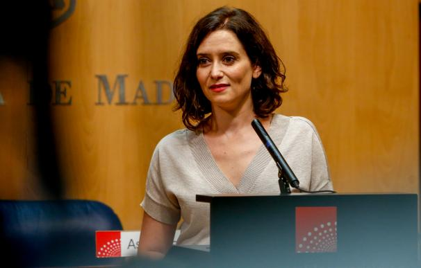 La candidata del PP a la Presidencia de la Comunidad de Madrid, Isabel Díaz Ayuso, anuncia que tras dos meses de negociaciones en breve presidirá un Gobierno de coalición con Ciudadanos y apoyado por Vox en la Comunidad de Madrid.