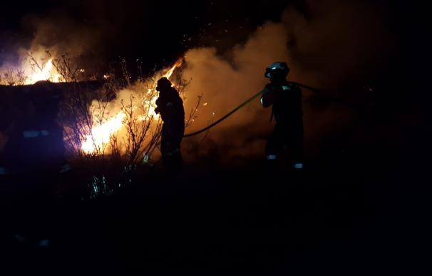 Efectivos de la UME participan en las labores de extinción del incendio de Gran Canaria