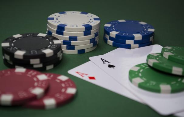 """""""Si llevas media hora jugando al póker y no sabes quién es el pardillo, lo eres tú"""""""