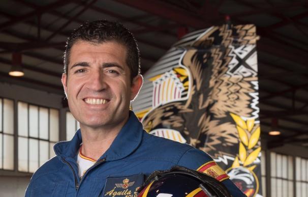 Así era el comandante Marín, el piloto más acrobático de la Patrulla Águila