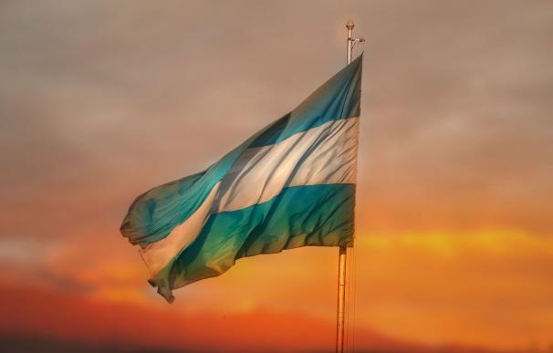 Argentina se asoma a la quiebra por la crisis política y el 'KO' de los mercados