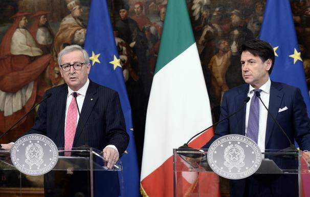 Jean-Claude Juncker y Giuseppe Conte