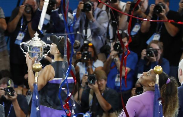 Bianca Andreescu celebra el US Open tras vencer a Serena Williams en la final. / EFE / EPA