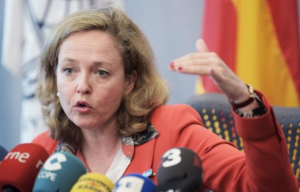 La ministra de Economía de España Nadia Calviño habla durante una rueda de prensa con corresponsales españoles este, sábado 13 de abril de 2019, en la sede del Banco Mundial en Washington DC (EE.UU.). Calviño habló sobre el FMI y su valoración de la econo