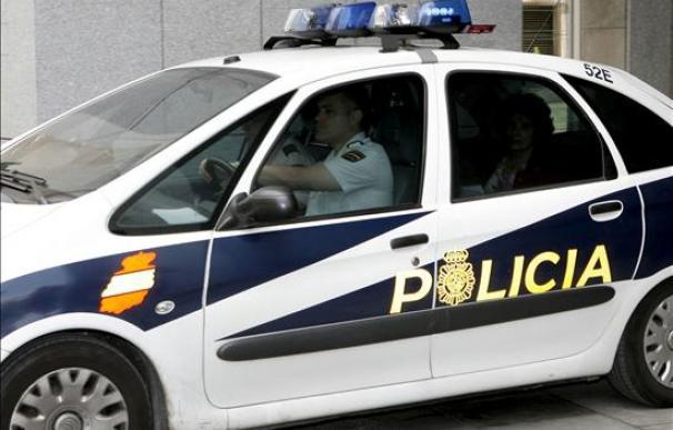La Policía explosiona un artefacto ante una sucursal de Caixanova en Vigo