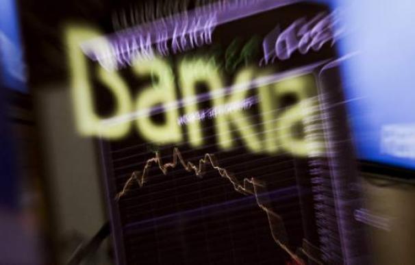 Panel informativo en la Bolsa de Madrid con el logo de Bankia. EFE