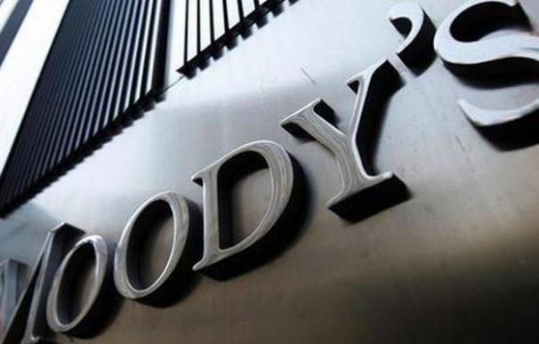 Moody's amenaza con rebajar el rating de Reino Unido si hay un 'Brexit duro'