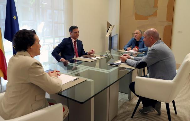 Fotografía reunión Sánchez con sindicatos agosto 2019 / EFE