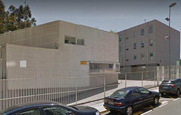 Cuartel de la Guardia Civil en Ames donde se ha entregado el presunto autor del triple asesinato