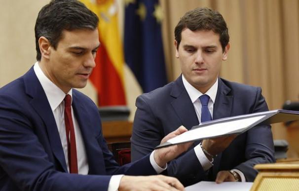 Cs y PP se abstendrán si Sánchez cumple tres compromisos