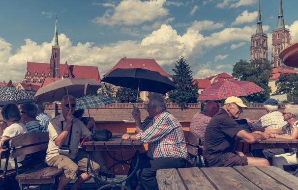 Fotografía de jubilados durante un viajes.