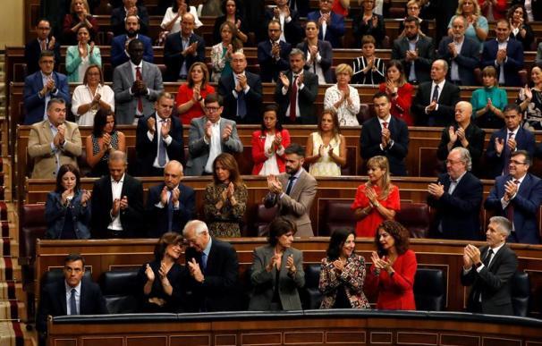 Fotografía de una bancada de diputados en el Congreso.