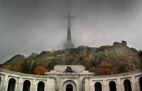 """""""Franco manda mucho desde su tumba"""": 200 expertos, de visita en el Valle de los Caídos"""