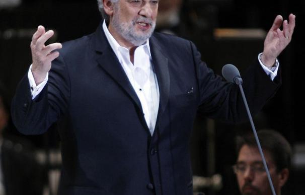 Plácido Domingo seguirá como director general de la Ópera de Los Ángeles