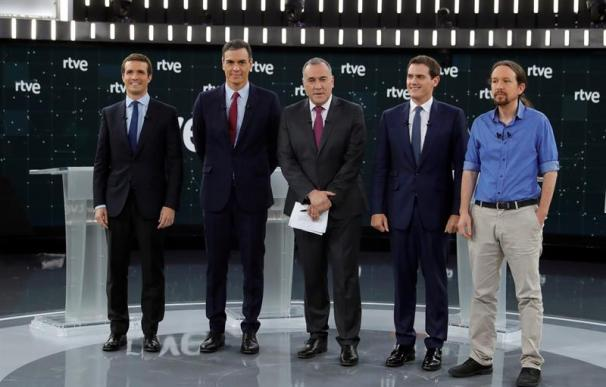Fotografía de los candidatos en el debate de RTVE.