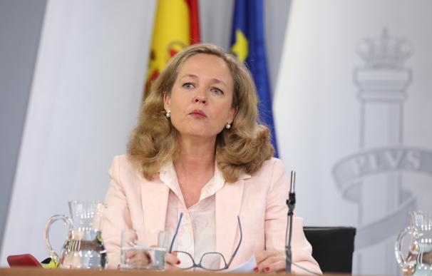 La ministra de Economía en funciones, Nadia Calviño, durante la rueda de prensa posterior al Consejo de Ministros en La Moncloa.