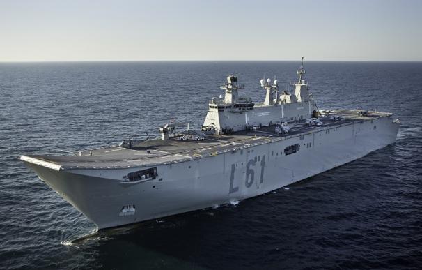 Defensa estudió que su buque estrella atracara en Cataluña horas antes del 10-N