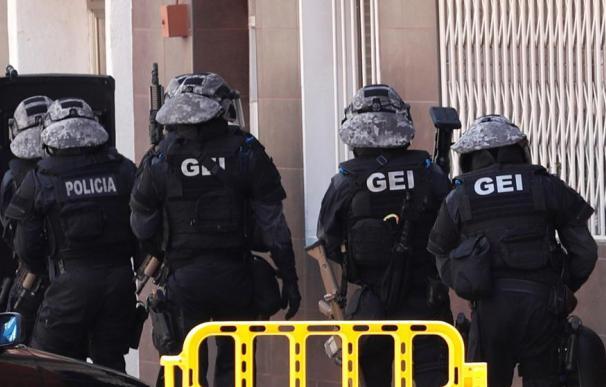 Agentes de los Grupos Especiales de Intervención (GEI) de los Mossos d'Esquadra. /Alejandro García / EFE