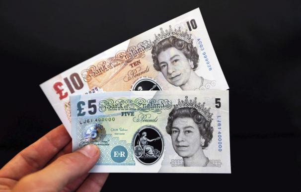 El Banco de Inglaterra estudia emitir billetes fabricados en plástico en 2016