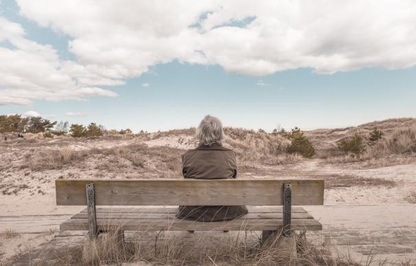 Fotografía de una mujer pensionista.