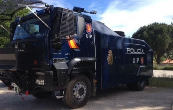 La Policía ha trasladado a Barcelona el camión lanza agua por si lo tiene que usar como dotación antidisturbios