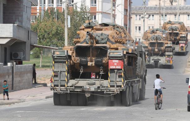 Un carro blindado turco en el norte de Siria