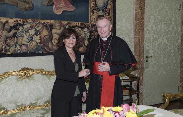 Carmen Calvo, con el secretario de Estado de la Santa Sede, el cardenal Pietro Parolin